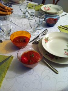 caviale di melanzane con crema al pomodoro