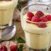 budino vegano al latte di mandorla e frutta di stagione