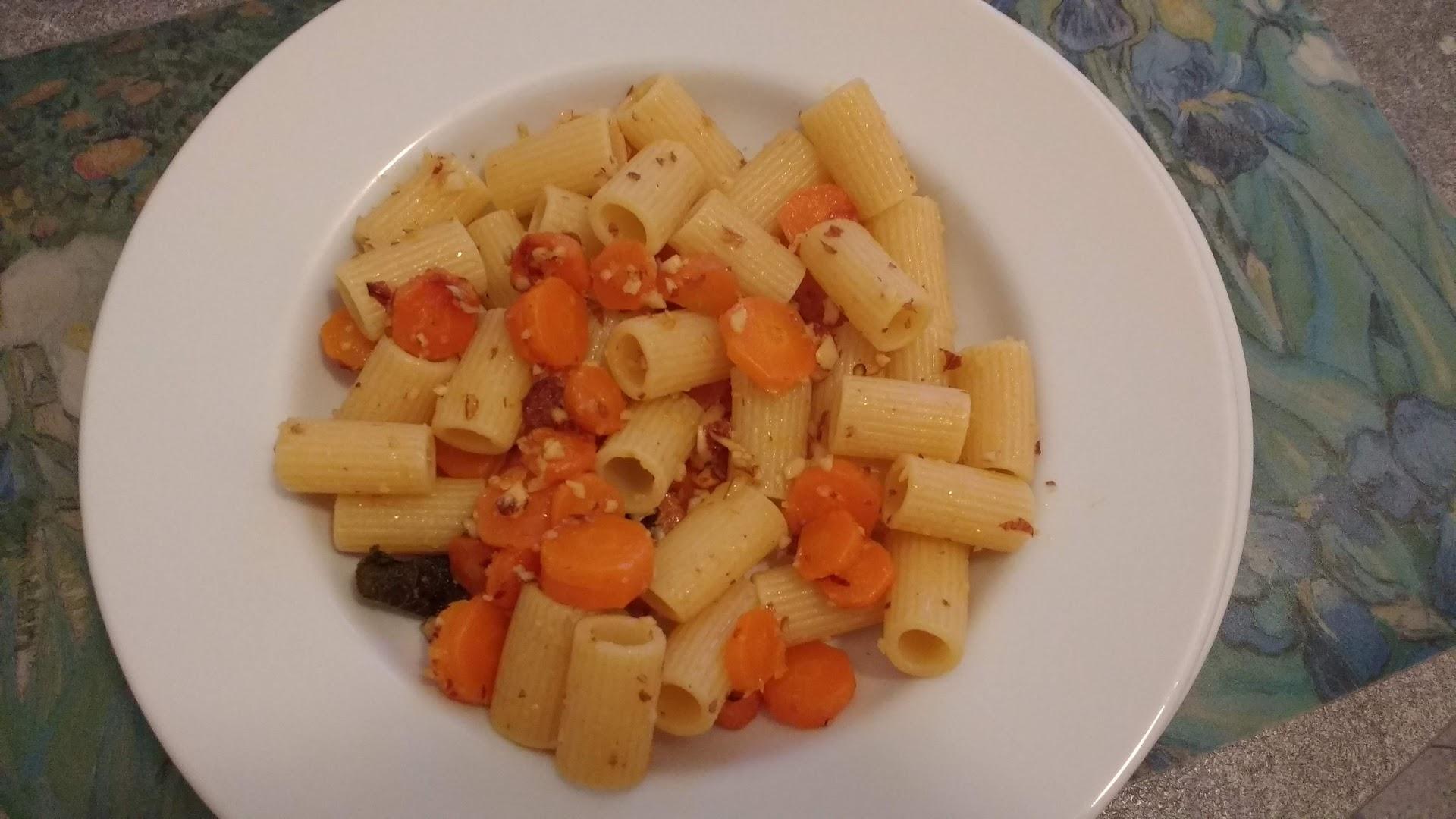 pasta con carote e mandorle