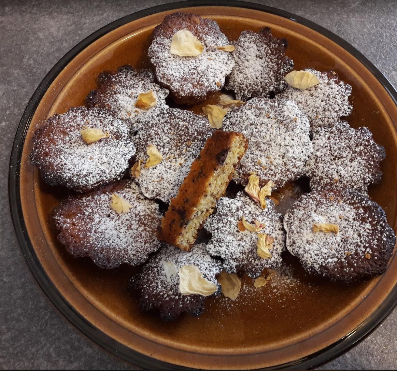 muffins all'arancia e cioccolato con scorza di arancia