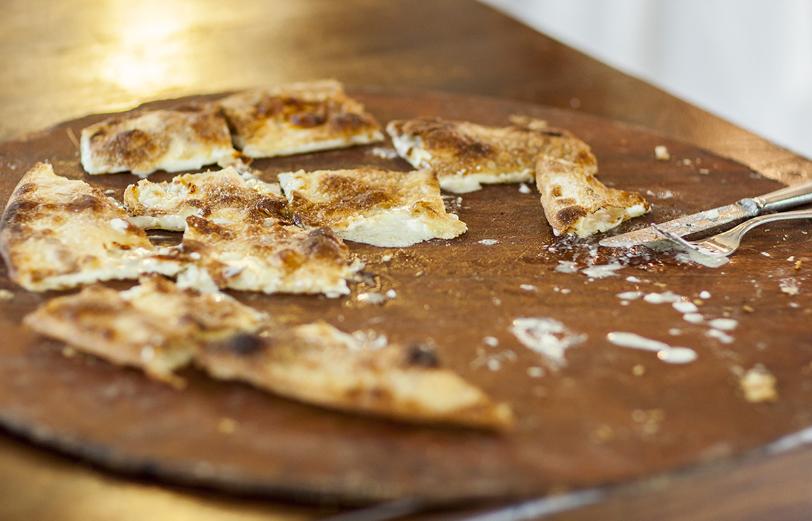 Manuelina, focaccia col formaggio di Recco