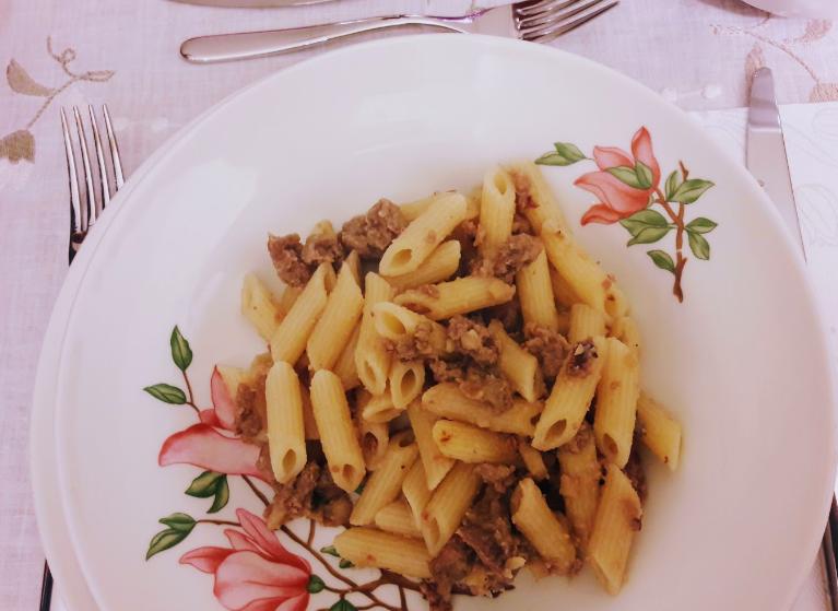 Pasta con salsiccia, funghi (anche secchi) e castagne (anche congelate)